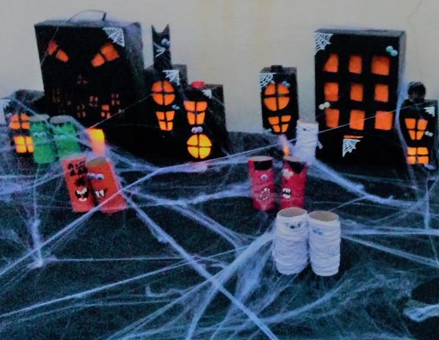 bricolage Halloween village hanté