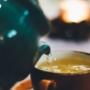 Thé vert, thé noir, thé blanc : comment bien choisir votre couleur de thé ?